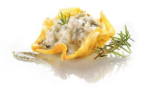Risotto al gorgonzola dolce e rosmarino in cialda croccante